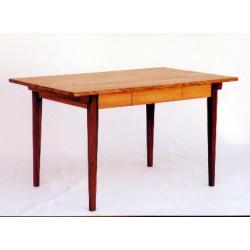 Tisch in Ulme (Rüster)