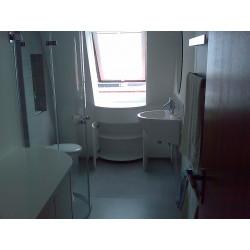 Badezimmermöbel in weiß